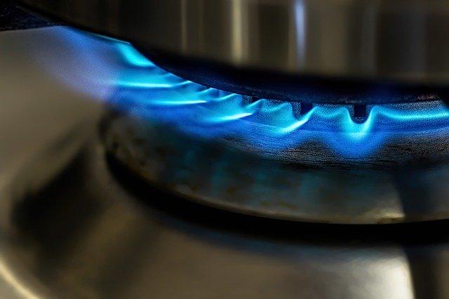 Kegiatan yang Menggunakan Sumber Energi Panas